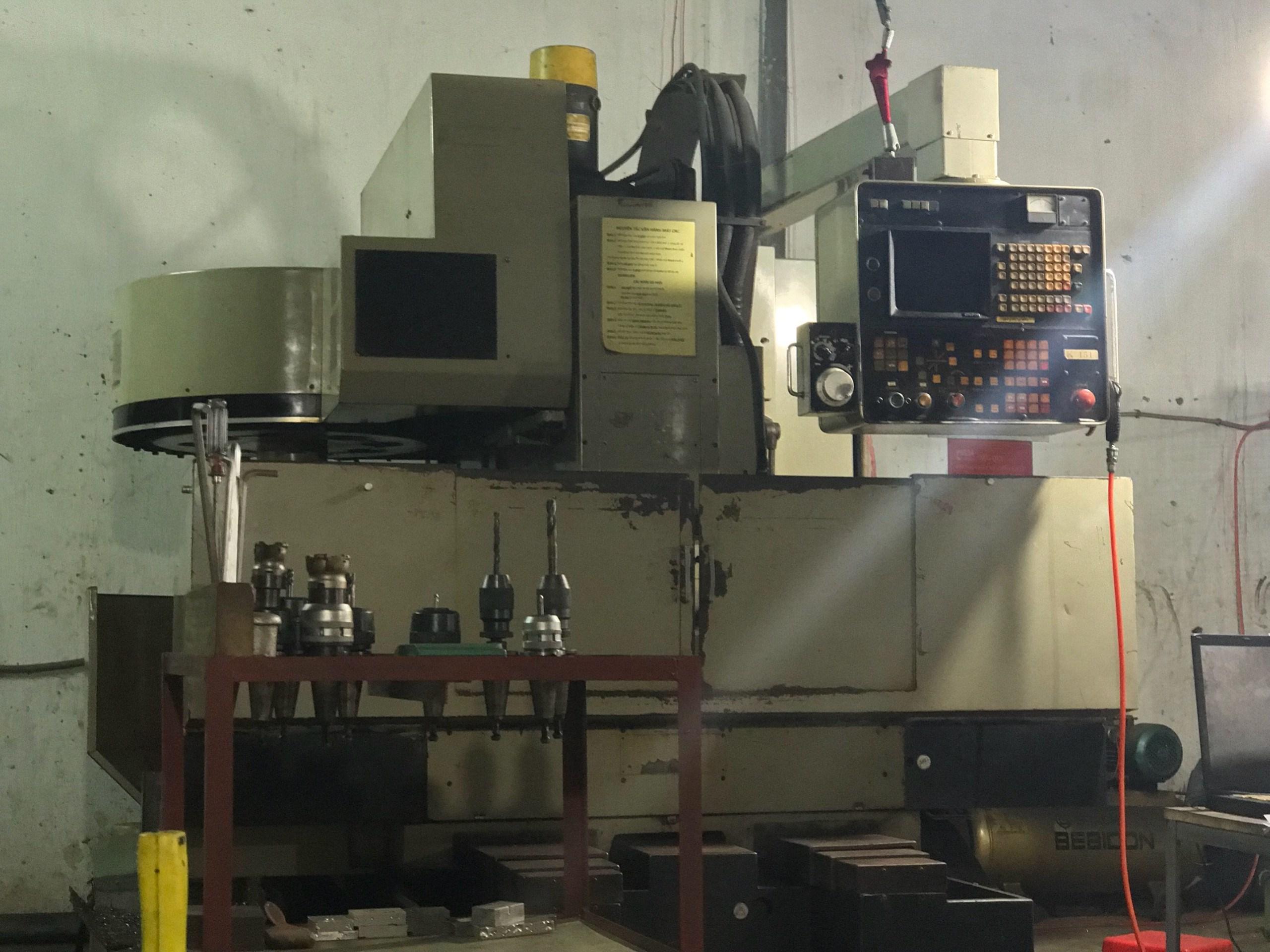Máy CNC 6